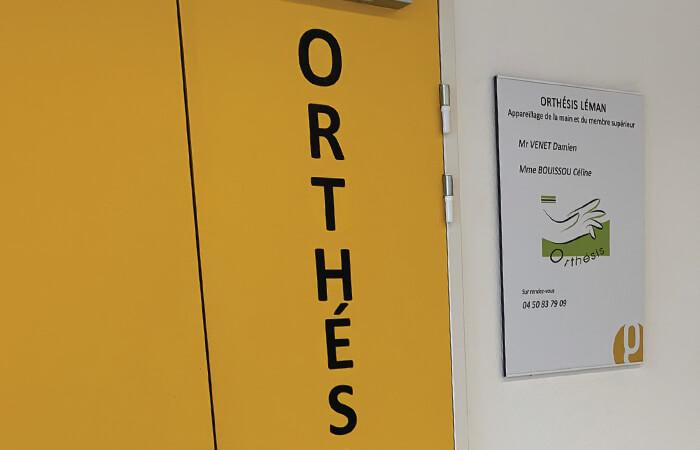 Mise à jour de l'affichage dans le bâtiment du Centre de Consultation du Genevois